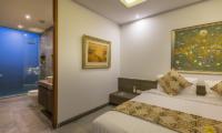 Bedroom and Bathroom - Villa Roemah Natamar - Canggu, Bali
