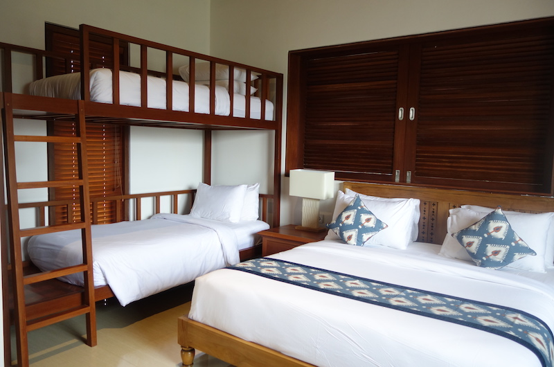 Bedroom with Bunk Beds - Villa Rusa Biru - Canggu, Bali