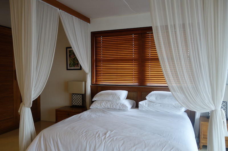 Bedroom with Mosquito Net - Villa Rusa Biru - Canggu, Bali