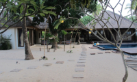 Gardens and Pool - Villa Samudera - Nusa Lembongan, Bali