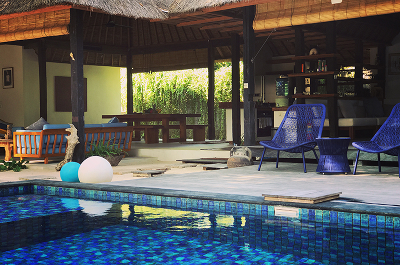 Pool Side Seating Area - Villa Samudera - Nusa Lembongan, Bali