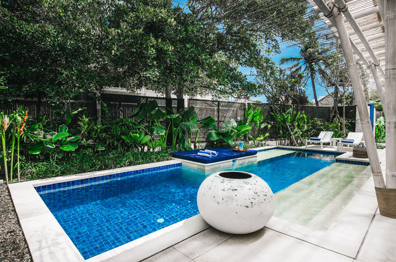 Pool Side Loungers - Villa Sari - Nusa Lembongan, Bali