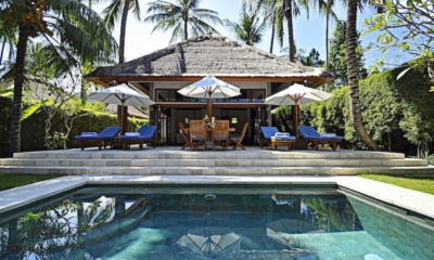 Pool Side Seating Area - Villa Sasoon - Candidasa, Bali