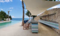 Pool Side Kitchen and Dining Area - Villa Seascape - Nusa Lembongan, Bali