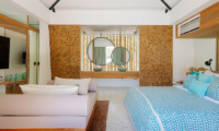 Bedroom and En-Suite Bathroom - Villa Seascape - Nusa Lembongan, Bali