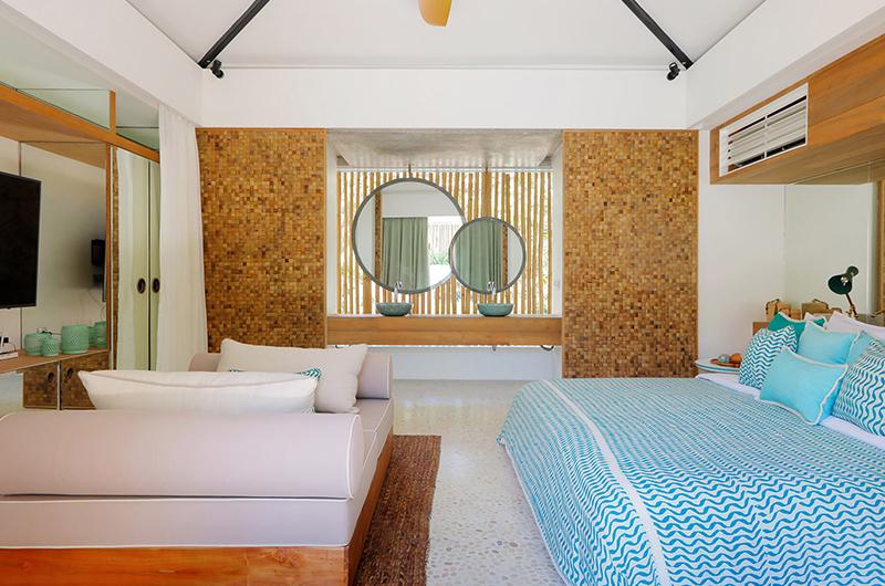 Bedroom and En-Suite Bathroom - Villa Seascape - Nusa Lembongan, Bali
