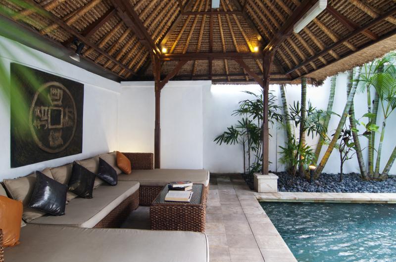 Pool Bale - Villa Selasa - Seminyak, Bali