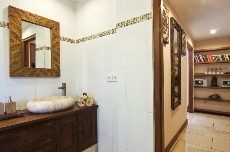 Bathroom with Mirror - Villa Selasa - Seminyak, Bali