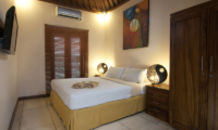Bedroom with Table Lamps - Villa Selasa - Seminyak, Bali