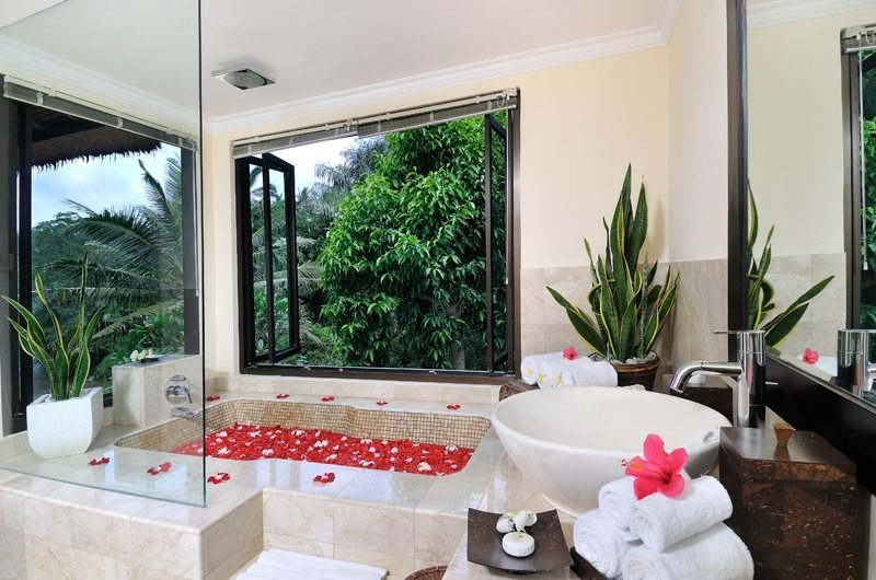 Romantic Bathtub Set Up - Villa Semana - Ubud, Bali