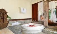 Bathroom with Bathtub - Villa Semana - Ubud, Bali