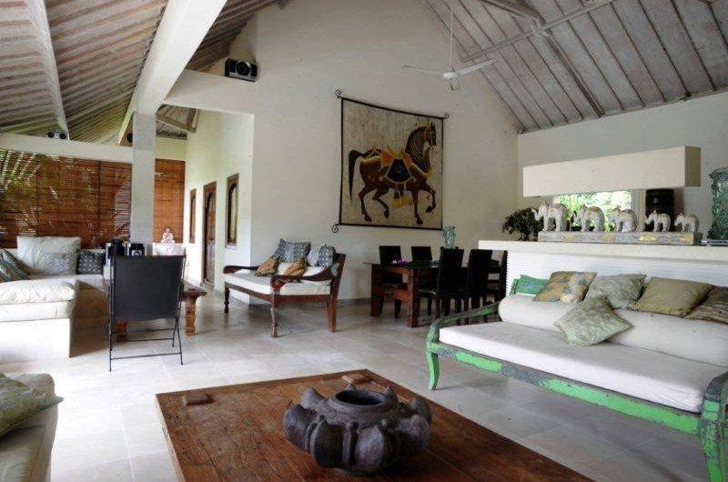 Living and Dining Area - Villa Senang - Batubelig, Bali