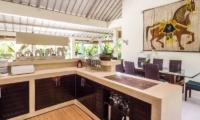 Kitchen and Dining Area - Villa Senang - Batubelig, Bali