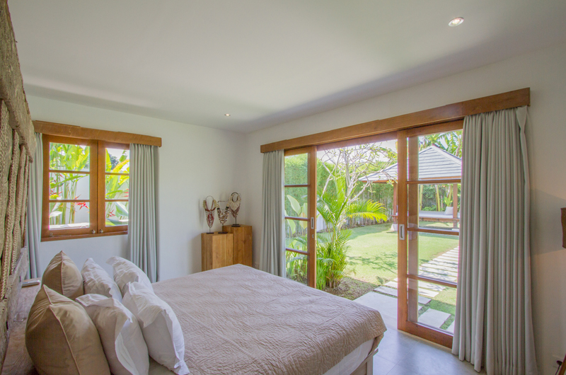 Bedroom with Garden View - Villa Senara - Canggu, Bali