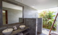 Bathroom with Mirror - Villa Senara - Canggu, Bali