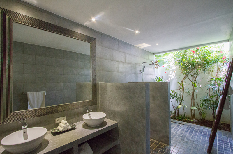 His and Hers Bathroom with Mirror - Villa Senara - Canggu, Bali