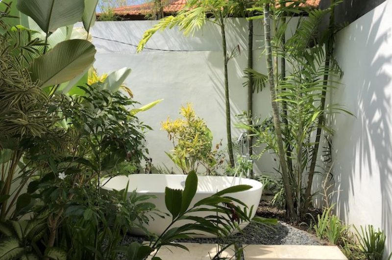Outdoor Bathtub - Villa Senara - Canggu, Bali