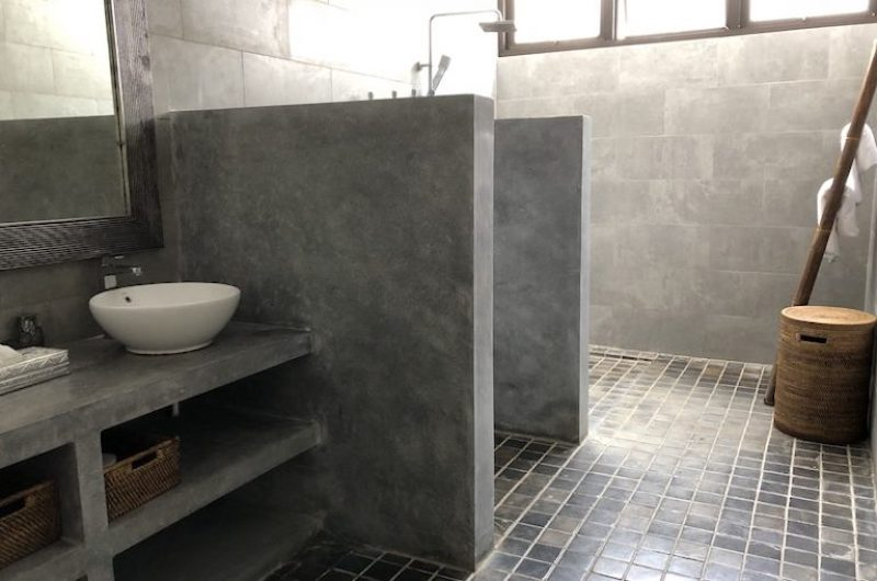 Bathroom with Shower - Villa Senara - Canggu, Bali