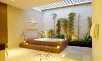 Semi Open Bathtub - Villa Seriska Dua Sanur - Sanur, Bali