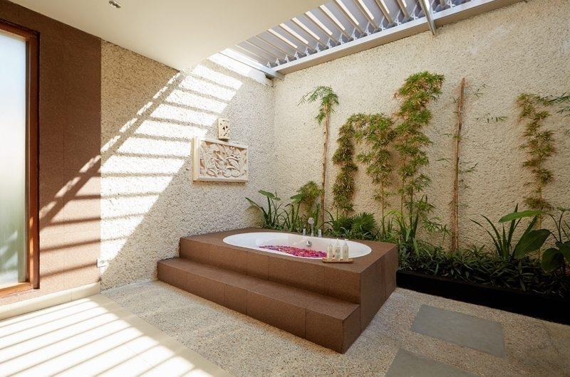 Romantic Bathtub Set Up - Villa Seriska Dua Sanur - Sanur, Bali