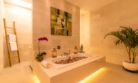 Bathtub with Rose Petals - Villa Seriska Jimbaran - Jimbaran, Bali