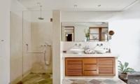 His and Hers Bathroom with Shower - Villa Seriska Satu Sanur - Sanur, Bali