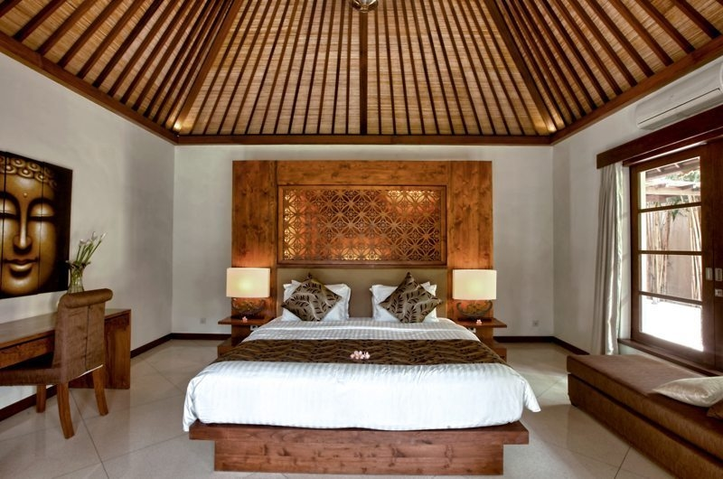Bedroom with Study Table - Villa Seriska Satu Sanur - Sanur, Bali