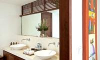 His and Hers Bathroom with Mirror - Villa Seriska Satu Sanur - Sanur, Bali