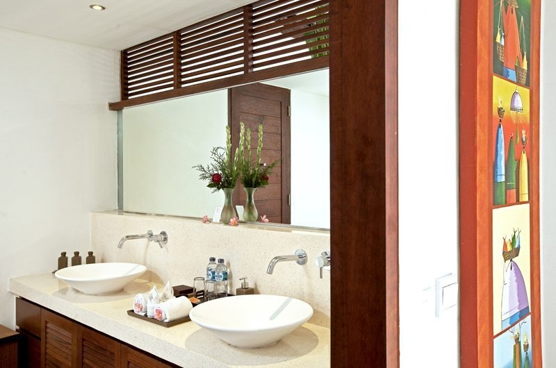 His and Hers Bathroom with Mirror - Villa Seriska Satu Sanur - Sanur, Bali
