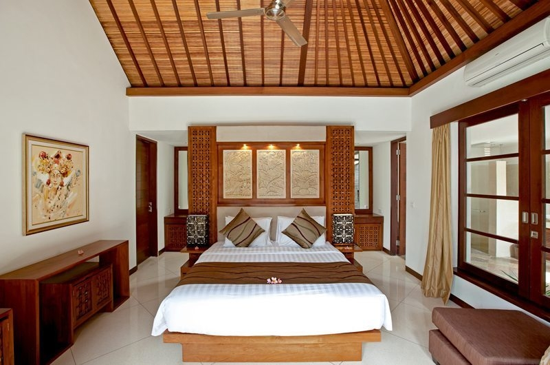 Bedroom with Seating Area - Villa Seriska Satu Sanur - Sanur, Bali