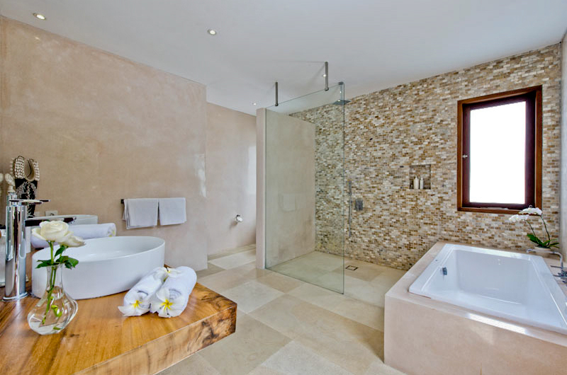 Bathroom with Shower - Villa Shaya - Canggu, Bali