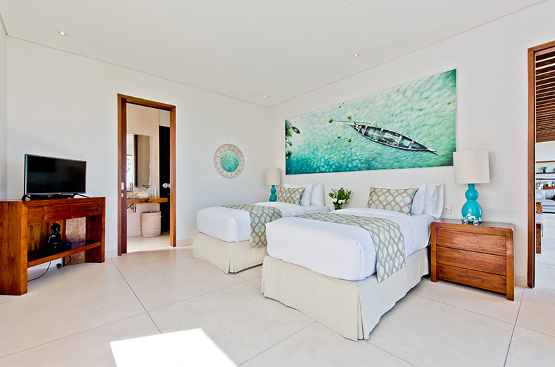 Twin Bedroom with TV - Villa Shaya - Canggu, Bali