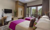 Twin Bedroom with TV - Villa Shinta Dewi Ubud - Ubud, Bali