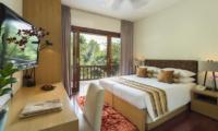 Bedroom with TV - Villa Shinta Dewi Ubud - Ubud, Bali