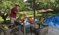 Pool Side Dining - Villa Shinta Dewi Ubud - Ubud, Bali