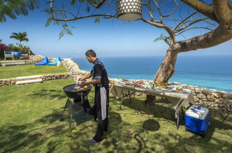 Outdoor Barbeque - Villa Sol Y Mar - Uluwatu, Bali