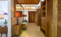 Walk-In Wardrobe - Villa Sol Y Mar - Uluwatu, Bali