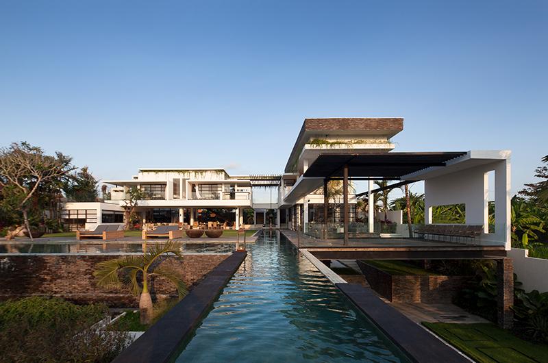 Gardens and Pool - Villa Suami - Canggu, Bali
