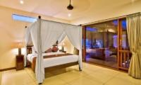 Spacious Bedroom - Villa Sundari - Seminyak, Bali