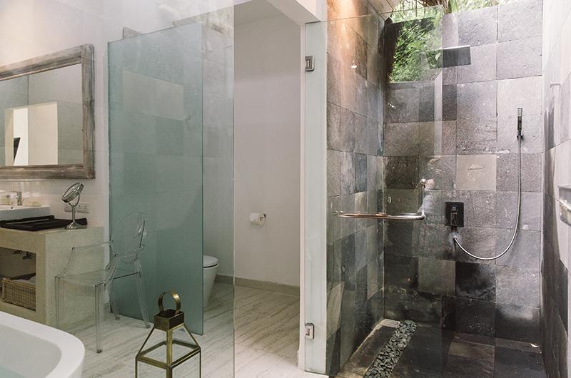 Bathroom with Shower - Villa Sungai Bali - Tabanan, Bali