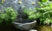 Outdoor Bathtub - Villa Tempat Damai - Canggu, Bali