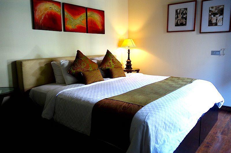 Bedroom with Wooden Floor - Villa Tenang - Batubelig, Bali