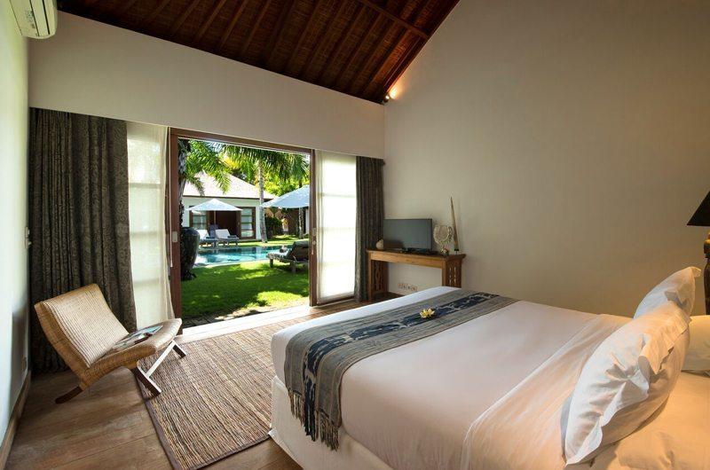 Bedroom with Garden View - Villa Tiga Puluh - Seminyak, Bali