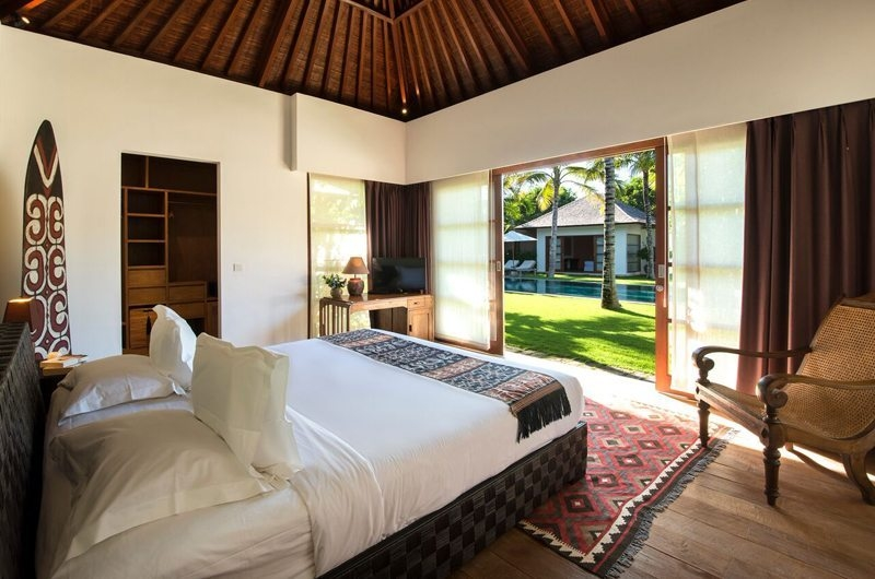 Bedroom with Seating Area - Villa Tiga Puluh - Seminyak, Bali