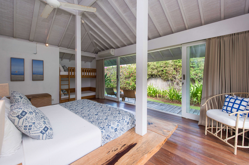 Bedroom with Wooden Floor - Villa Seriska Seminyak - Seminyak, Bali