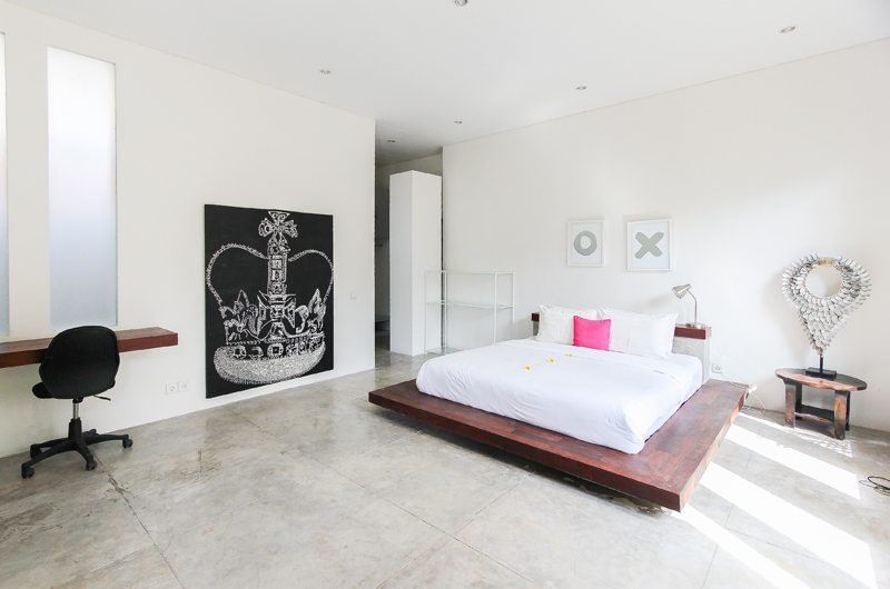Bedroom with Study Area - Villa Turtle - Seminyak, Bali