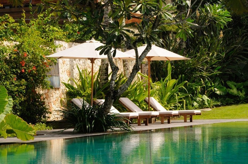Pool Side Loungers - Villa Waringin - Pererenan, Bali