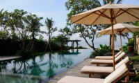 Reclining Sun Loungers - Villa Waringin - Pererenan, Bali