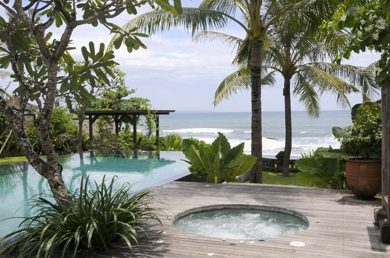 Gardens and Pool - Villa Waringin - Pererenan, Bali