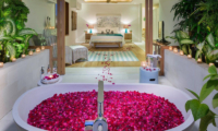 Outdoor Bathtub with Rose Petals - Villa Zambala - Canggu, Bali